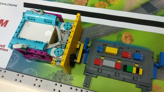 Image for FLL 2019: How to Accomplish Mission 06 Elevator with LEGO Education SPIKE Prime