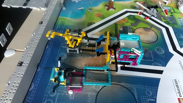 Image for FLL 2019: How to Accomplish Mission 02 Crane with LEGO Education SPIKE Prime