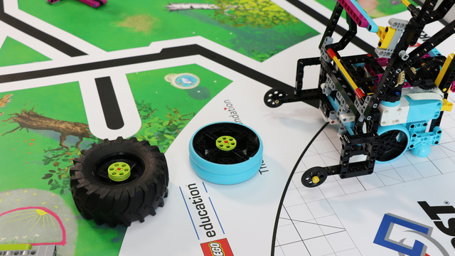 Image for FLL 2020: How to accomplish Tire Flip mission