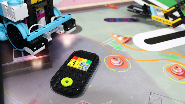 Image for FLL 2020: How to accomplish Cell Phone mission