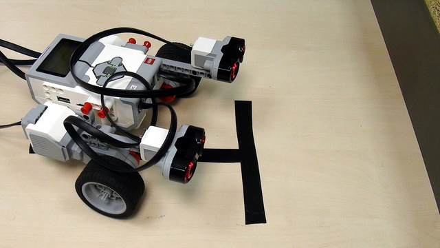 Image for How to align to a wall with Ultrasonic Sensors from LEGO Mindstorms EV3 Set (part 2)
