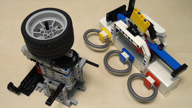 Image for Rubber band attachment with a flywheel - solving FLL 2014 Search Engine (part 2)