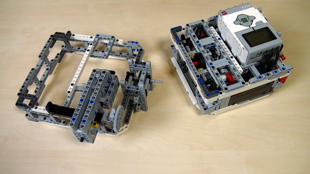 Image for Learn to build attachments for Box Robots (2)
