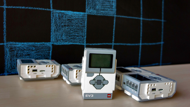 Image for Display four rows with four boxes on the screen. Robotics Game Of Life