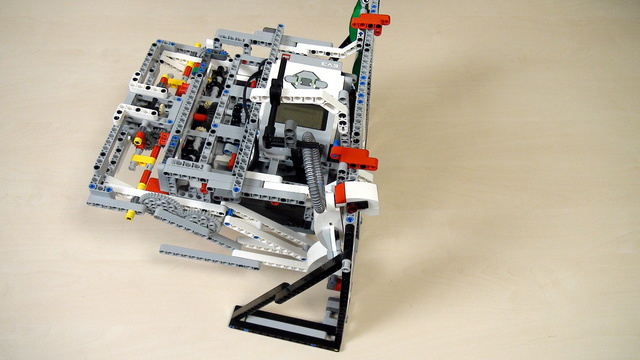 Image for Improving FLL Robot Game. How to hang the Gecko on the mission model