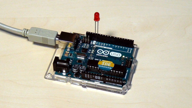 Image for Arduino Basic Course. Uploading program to the controller and configuring the controller