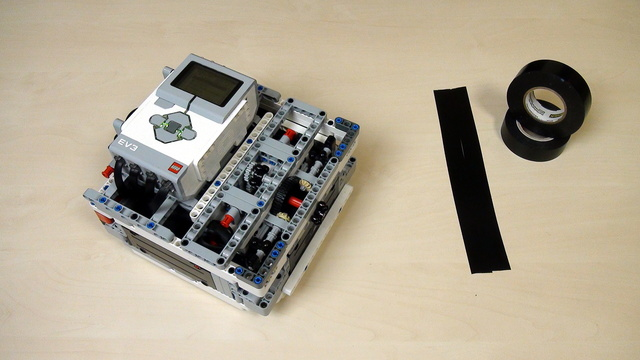 Image for How to calibrate more than one LEGO Mindstorms EV3 Light/Color sensors at a time