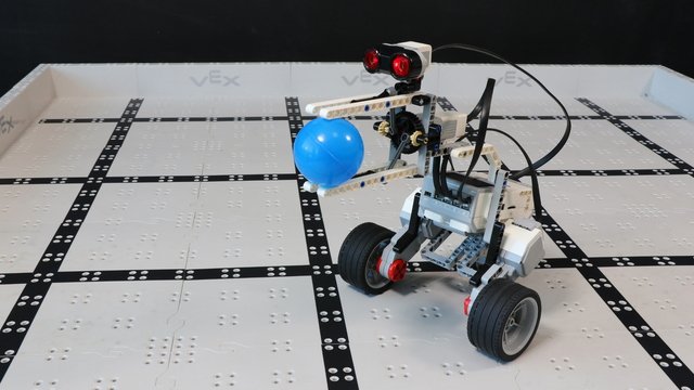 Image for How does the Lintu LEGO Mindstorms EV3 robot work?
